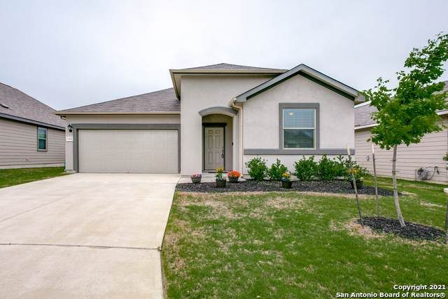 10426 Francisco Way, Converse, TX 78109 (#1520842) :: The Perry Henderson Group at Berkshire Hathaway Texas Realty