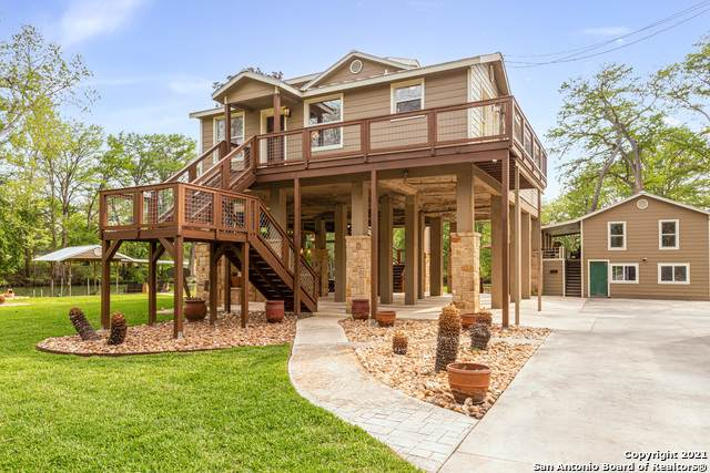 836 Lake Placid Dr, Seguin, TX 78155 (MLS #1520906) :: Santos and Sandberg