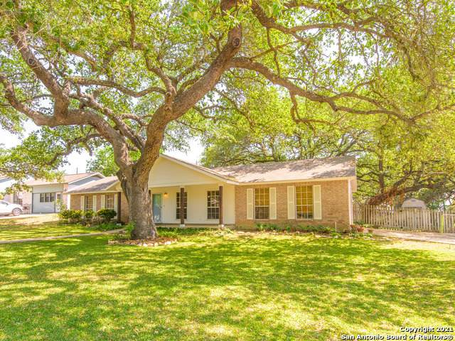 341 Sollock Dr, Devine, TX 78016 (MLS #1520921) :: 2Halls Property Team | Berkshire Hathaway HomeServices PenFed Realty