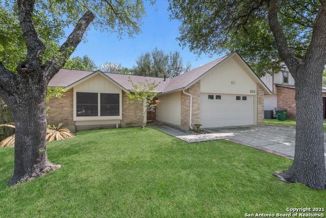 6202 Cherrywest Cir, San Antonio, TX 78240 (MLS #1520976) :: Santos and Sandberg