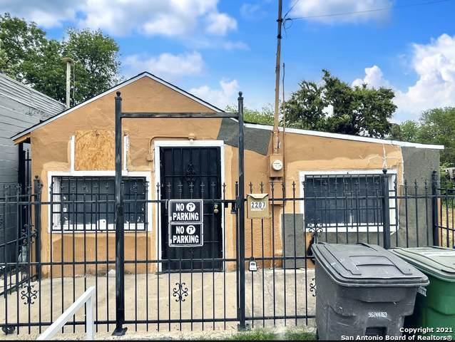 2207 Guadalupe St #5, San Antonio, TX 78207 (MLS #1521030) :: Carolina Garcia Real Estate Group