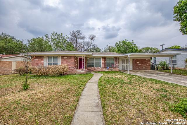 118 Rolling Green Dr, San Antonio, TX 78228 (MLS #1521038) :: The Gradiz Group