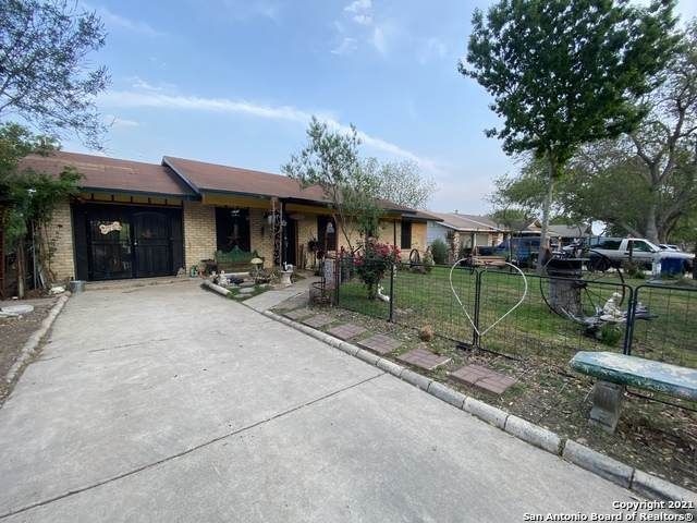 2502 Darwin Dr, San Antonio, TX 78228 (MLS #1521064) :: 2Halls Property Team | Berkshire Hathaway HomeServices PenFed Realty