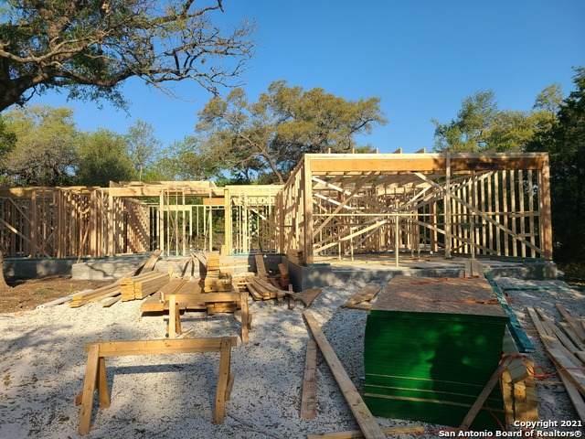 848 Persimmon Pass, Fischer, TX 78623 (MLS #1521071) :: The Glover Homes & Land Group