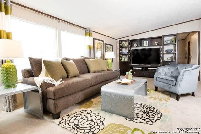 4011 Storm Oak Dr, Elmendorf, TX 78112 (MLS #1521128) :: Carolina Garcia Real Estate Group
