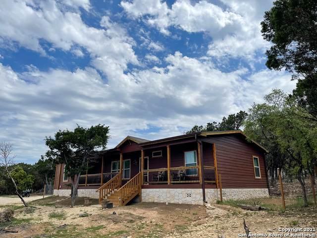 676 Avenue J, Lakehills, TX 78063 (MLS #1521224) :: Carolina Garcia Real Estate Group