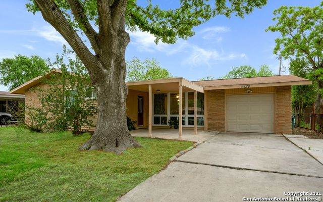 4434 Eisenhauer Rd, San Antonio, TX 78218 (MLS #1521236) :: Carolina Garcia Real Estate Group
