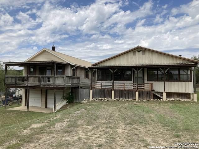 1582 Canyon Trace, Canyon Lake, TX 78133 (MLS #1521402) :: The Lugo Group