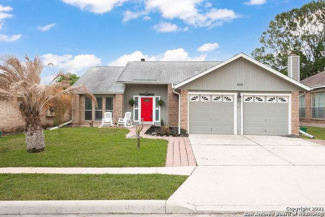 11111 Forest Crown, Live Oak, TX 78233 (MLS #1521405) :: The Lugo Group