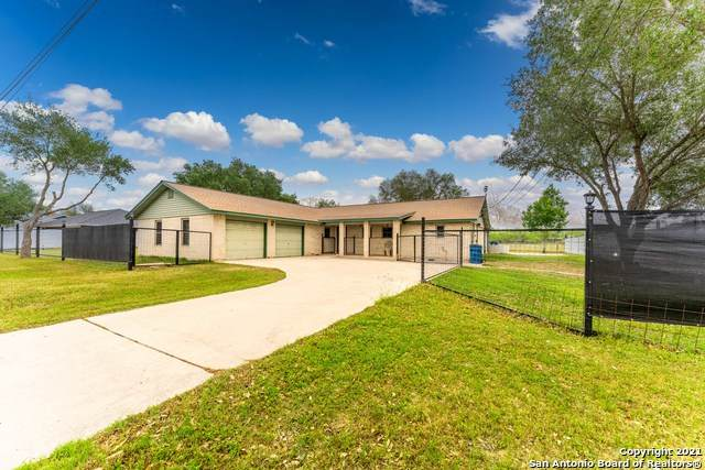 104 Plainview Dr, Poth, TX 78147 (MLS #1521453) :: Vivid Realty