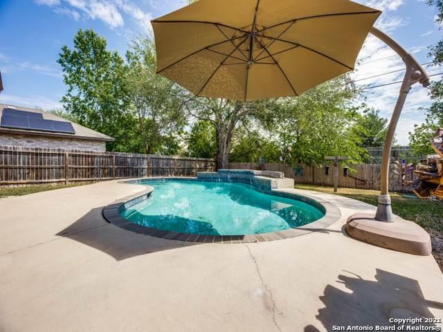 6418 Regency Ln, San Antonio, TX 78249 (MLS #1521520) :: 2Halls Property Team | Berkshire Hathaway HomeServices PenFed Realty