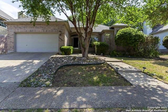 15228 Antler Creek Dr, San Antonio, TX 78248 (MLS #1521629) :: The Gradiz Group