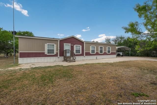 790 County Road 4638, Hondo, TX 78861 (MLS #1521720) :: Tom White Group