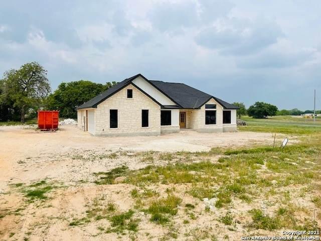116 Cibolo Ridge Dr, La Vernia, TX 78121 (MLS #1521724) :: Keller Williams Heritage