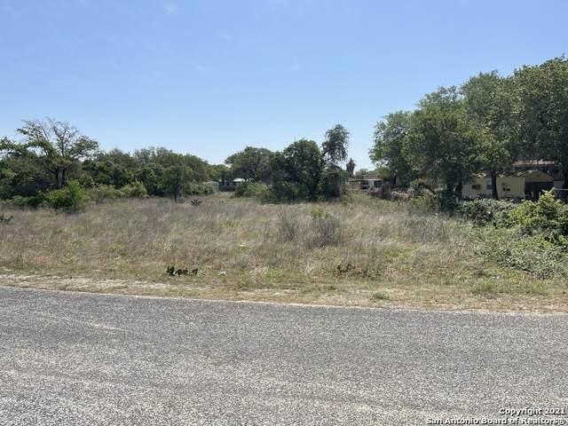 22718 Gold Gap St, Elmendorf, TX 78112 (MLS #1521784) :: The Glover Homes & Land Group