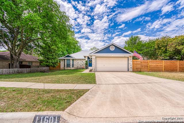 11601 Forest Hollow, Live Oak, TX 78233 (MLS #1521843) :: The Mullen Group | RE/MAX Access