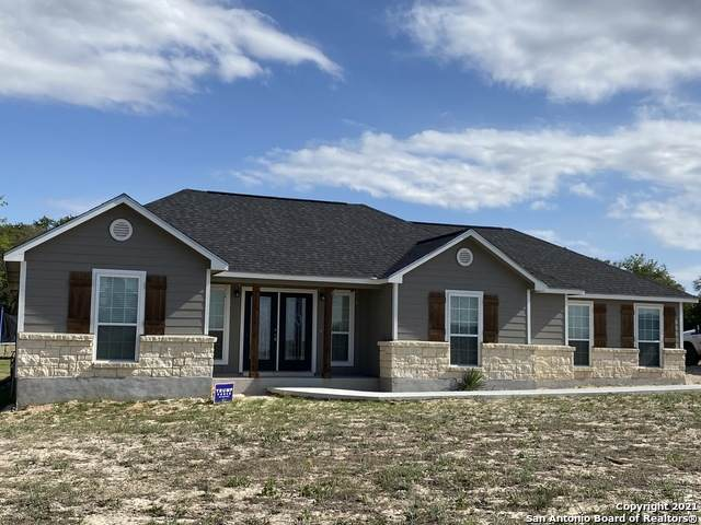 868 Lake Valley Dr, Stockdale, TX 78160 (MLS #1521862) :: JP & Associates Realtors