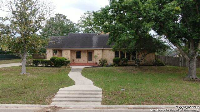 200 E Mayer St, Stockdale, TX 78160 (MLS #1521927) :: 2Halls Property Team | Berkshire Hathaway HomeServices PenFed Realty