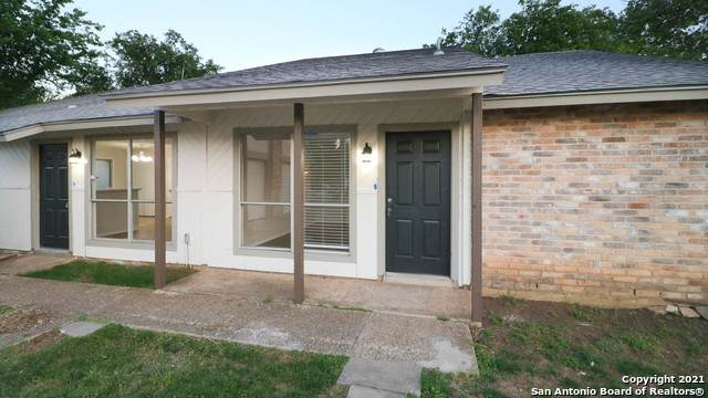 8850 Meadow Trace St, San Antonio, TX 78250 (MLS #1522020) :: 2Halls Property Team | Berkshire Hathaway HomeServices PenFed Realty