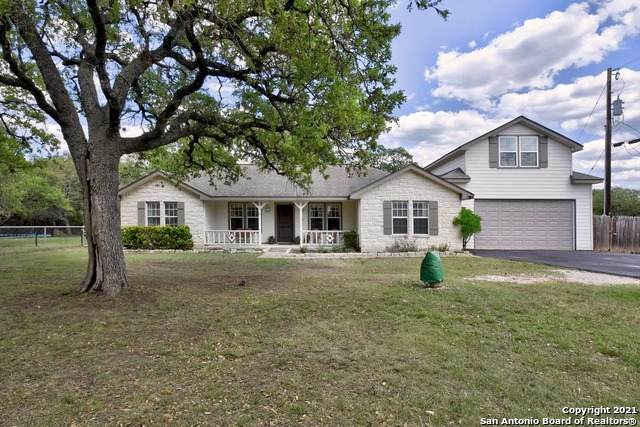 945 Deep Water Dr, Spring Branch, TX 78070 (MLS #1522058) :: Tom White Group