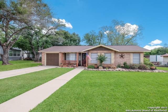 1306 4TH ST, Floresville, TX 78114 (MLS #1522060) :: Tom White Group