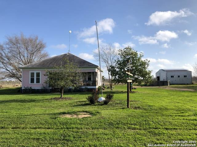 3895 State Highway 119, Stockdale, TX 78160 (MLS #1522071) :: Tom White Group