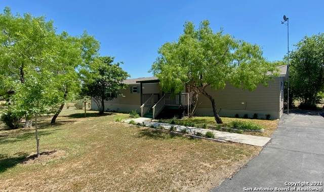 198 Frontier Way, Seguin, TX 78155 (MLS #1522151) :: The Gradiz Group