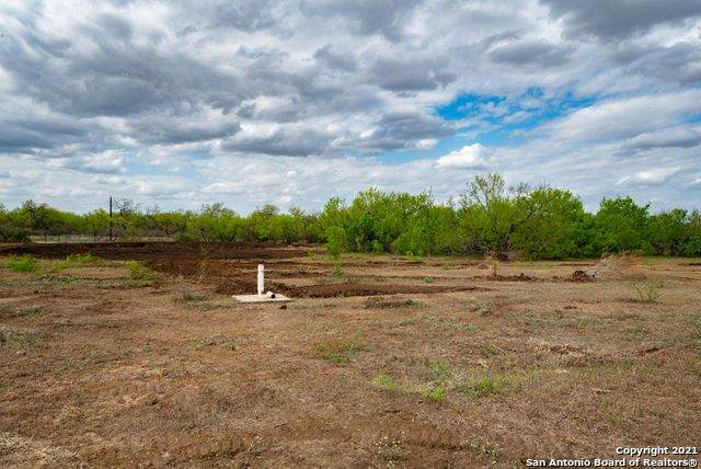 TRACT 2 Cr 332, Charlotte, TX 78011 (MLS #1522240) :: Williams Realty & Ranches, LLC