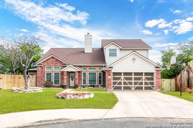 8638 Wood Falls, San Antonio, TX 78251 (MLS #1522241) :: 2Halls Property Team | Berkshire Hathaway HomeServices PenFed Realty