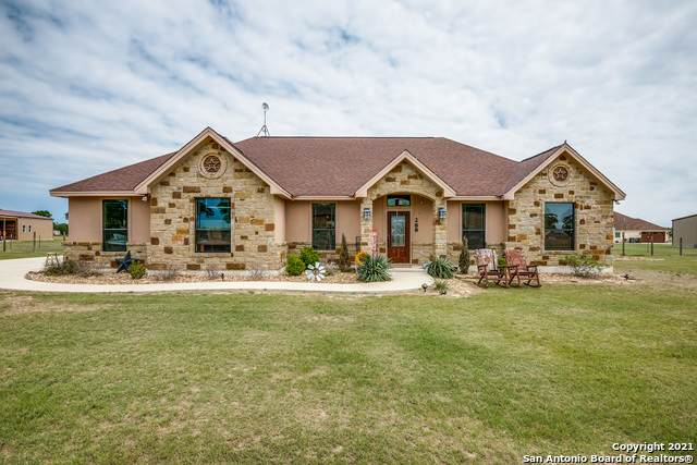 288 Abrego Lake Dr, Floresville, TX 78114 (MLS #1522250) :: The Mullen Group | RE/MAX Access