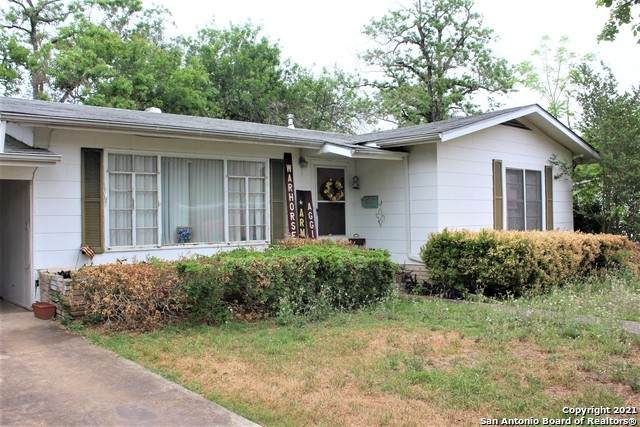 906 Dove Ave, Devine, TX 78016 (MLS #1522284) :: Alexis Weigand Real Estate Group