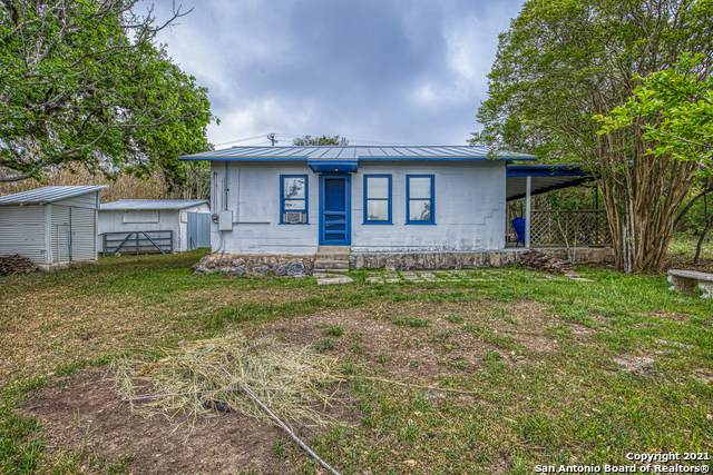6968 County Road 271, Mico, TX 78056 (MLS #1522381) :: The Gradiz Group