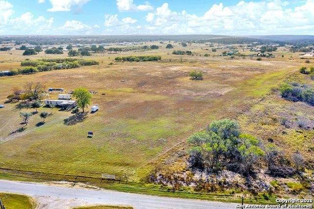 3087 Cr 342, La Vernia, TX 78121 (MLS #1522405) :: Vivid Realty