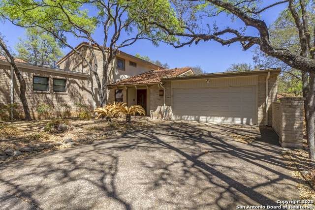11814 Mission Trace, San Antonio, TX 78230 (#1522472) :: The Perry Henderson Group at Berkshire Hathaway Texas Realty