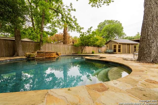 166 W Edgewood Pl, Alamo Heights, TX 78209 (MLS #1522477) :: Beth Ann Falcon Real Estate