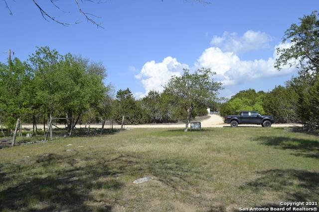 59 Mesquite / Grandview Cir, Bandera, TX 78003 (MLS #1522488) :: Tom White Group