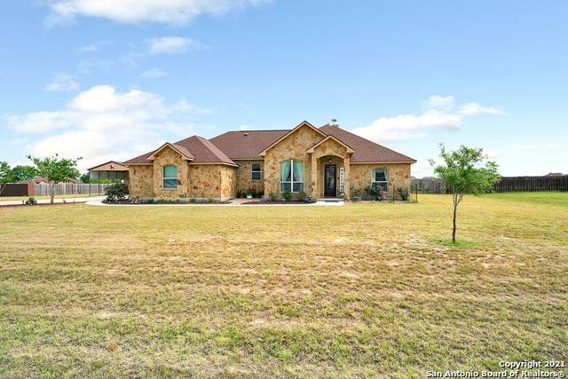 105 S Abrego Crossing, Floresville, TX 78114 (MLS #1522621) :: The Glover Homes & Land Group