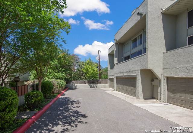 3103 Eisenhauer Rd L23, San Antonio, TX 78209 (MLS #1522630) :: The Gradiz Group