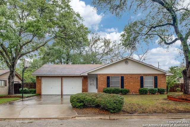 1616 Redwood St, Seguin, TX 78155 (MLS #1522704) :: Keller Williams Heritage