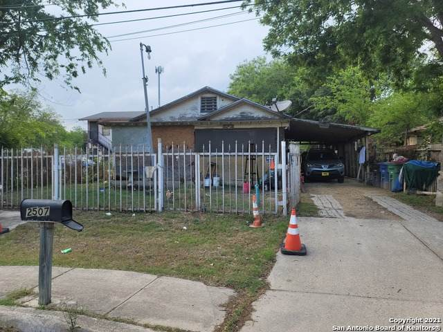 2507 Quintana Rd, San Antonio, TX 78211 (MLS #1522755) :: The Gradiz Group