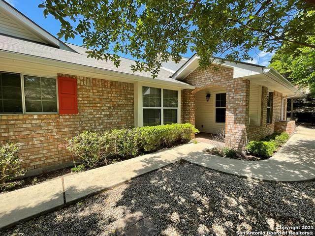 1404 Gloucester Pt, Kerrville, TX 78028 (MLS #1522831) :: Tom White Group