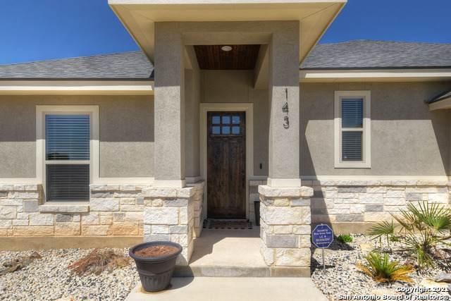 143 Muirfield Lane, La Vernia, TX 78121 (MLS #1522860) :: 2Halls Property Team | Berkshire Hathaway HomeServices PenFed Realty