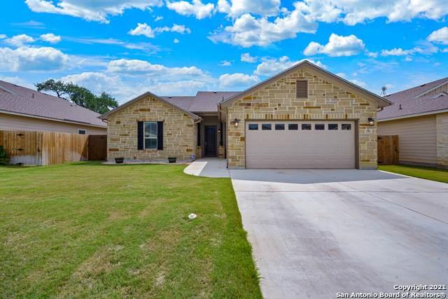 316 Iron Gate, Pleasanton, TX 78064 (MLS #1522961) :: Neal & Neal Team