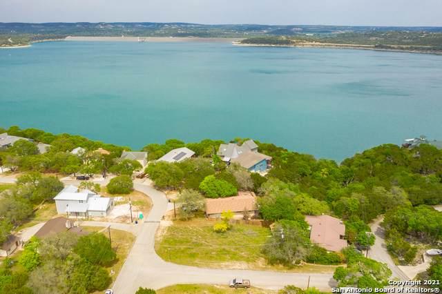 620 Village Shore Dr, Canyon Lake, TX 78133 (MLS #1522969) :: Keller Williams Heritage