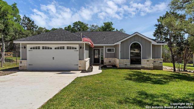 175 Lamplight, Spring Branch, TX 78070 (MLS #1523069) :: 2Halls Property Team | Berkshire Hathaway HomeServices PenFed Realty