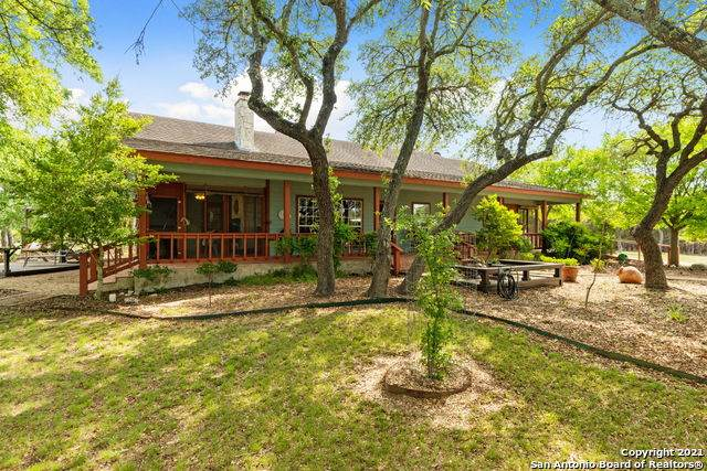 1251 Willow Springs Dr, Pipe Creek, TX 78063 (MLS #1523128) :: The Gradiz Group