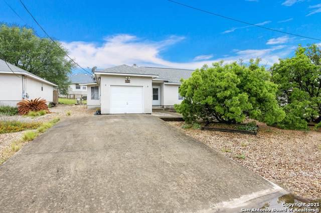 440 Watts Ln, Canyon Lake, TX 78133 (MLS #1523132) :: 2Halls Property Team | Berkshire Hathaway HomeServices PenFed Realty