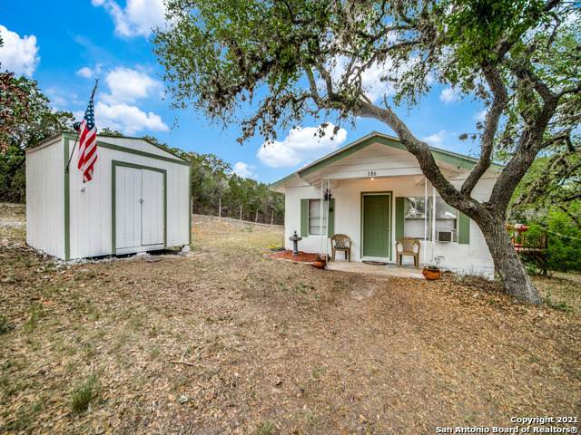 186 Goat Hill Rd, Lakehills, TX 78063 (#1523233) :: Azuri Group | All City Real Estate