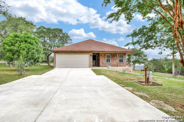 255 Agarita, Lakehills, TX 78063 (MLS #1523279) :: The Gradiz Group