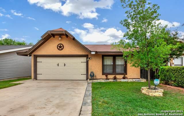 3949 Chimney Springs Dr, San Antonio, TX 78247 (MLS #1523502) :: The Gradiz Group